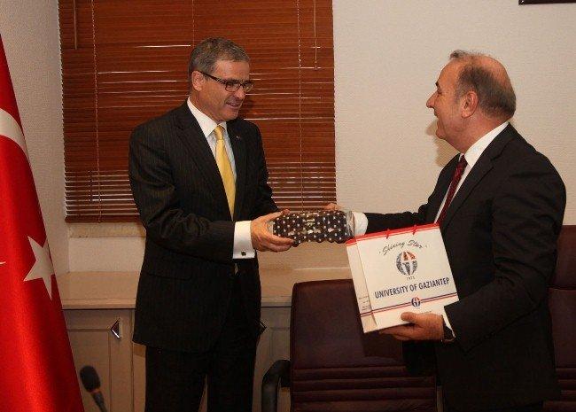 Büyükelçiler Gaziantep Üniversitesi'ne hayran kaldı