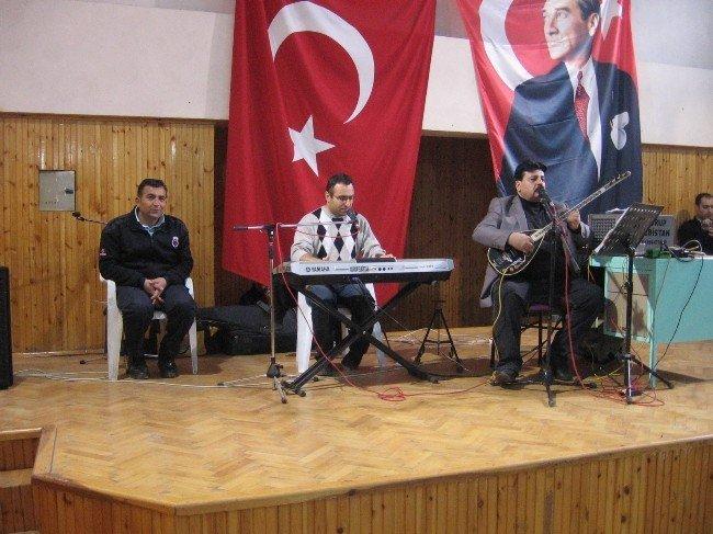 Hükümlü ve tutuklular konserde eğlendi