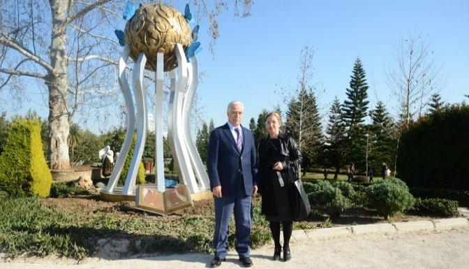 Bosnalı şehitler için anıt