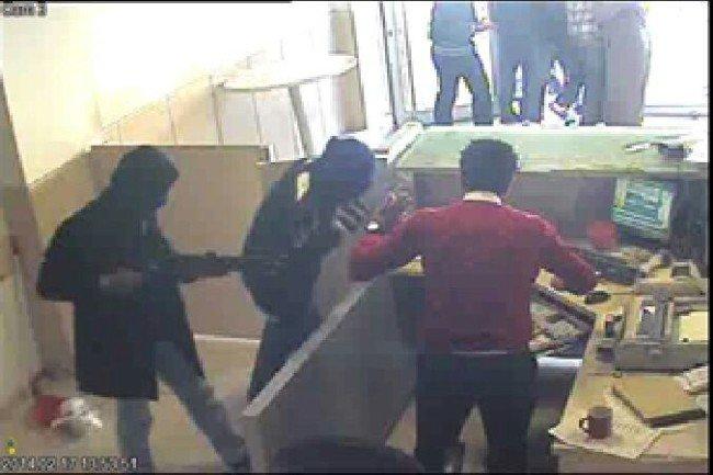 PTT Soyguncuları Alışverişte Yakalandı