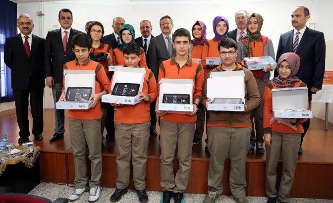 FATİH'ten Beyazıt'a 216 tablet bilgisayar