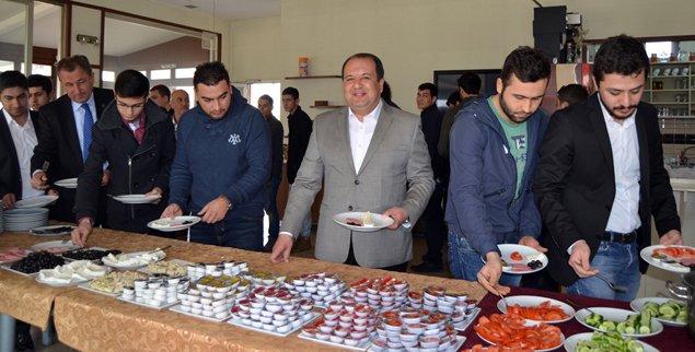 MHP'den gençlere yönelik kampanya