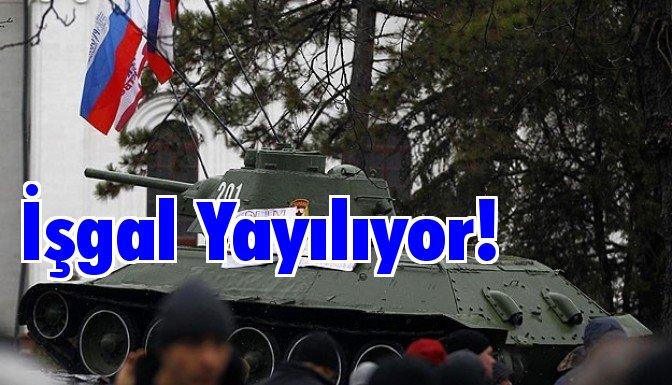 Kırım havaalanı işgal edildi