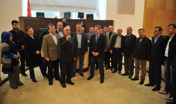 Meclis Üyelerinden Başkan Poyraz'a Plaket
