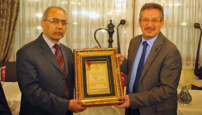 Başkan Poyraz'dan Gazetecilere Veda