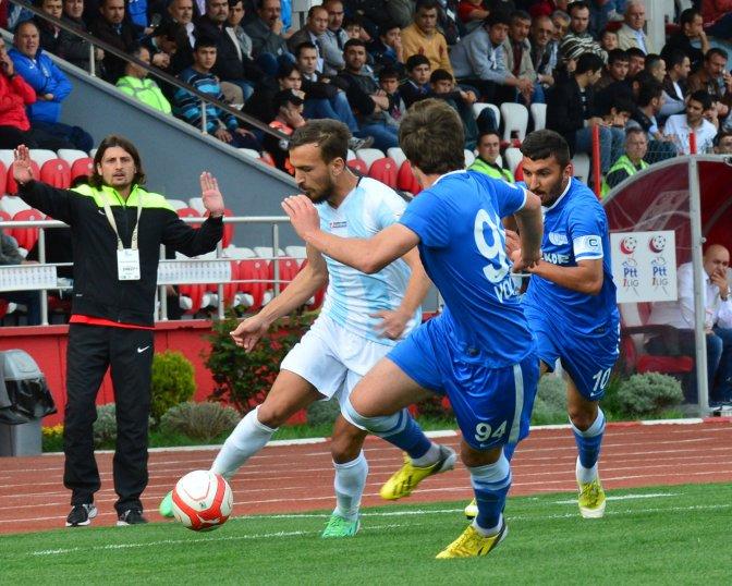 Büyükşehir Belediyespor Galip:2-1