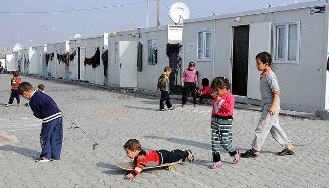 Türkiye'deki Suriyelilerin sayısı 900 bini aştı