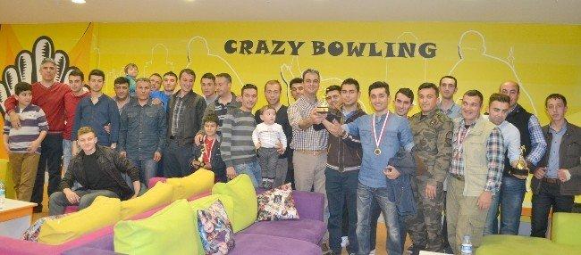 Bowling Turnuvasında Emniyetçiler Yarıştı