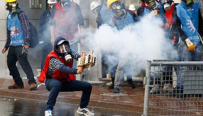 İstanbul'da 1 Mayıs bilançosu 142 gözaltı, 90 yaralı