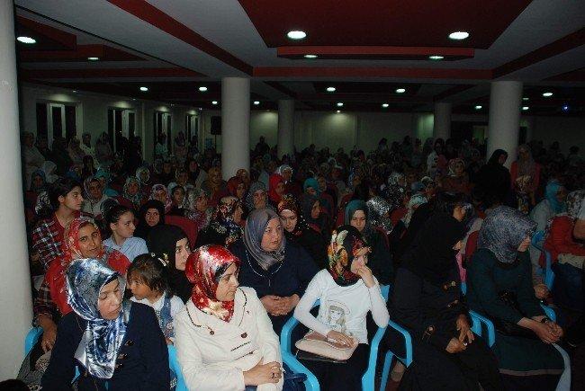 Yazar Emine Şenlikoğlu Kahta'da söyleşiye katıldı