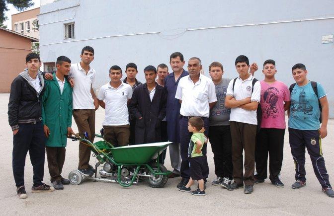 Lise öğrencilerinden motorlu el arabası