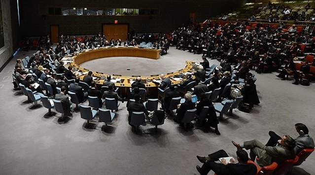 BM personelini tahliye ediyor
