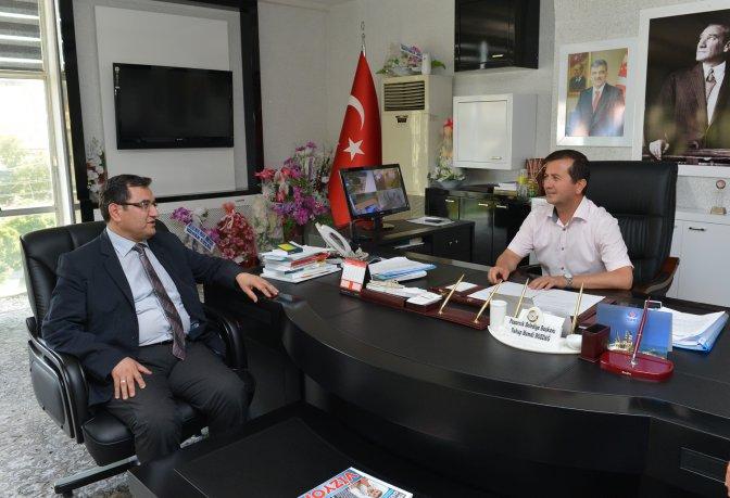 Büyükşehir Belediyesi Pazarcık'ta Erzak Dağıttı