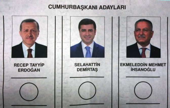 Oy pusulaları basına tanıtıldı
