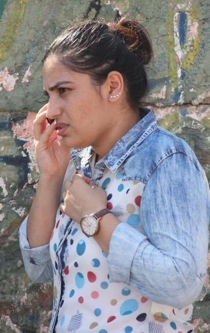 Üniversiteli Genç Kıza Kapkaç Şoku
