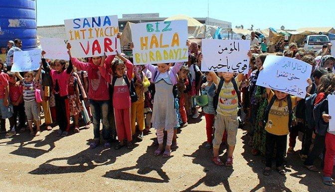 Sınır ötesindeki Suriyeliler destek bekliyor