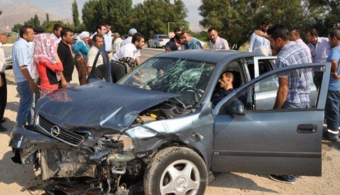 Afşin yolunda zincirleme kaza: 6 yaralı!