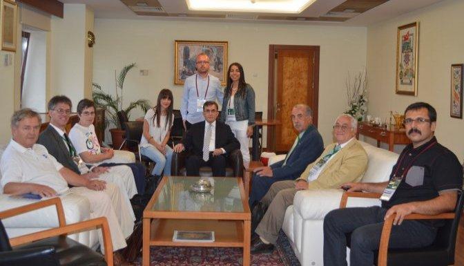 Yabancı Öğretim Üyelerinden Rektör'e ziyaret