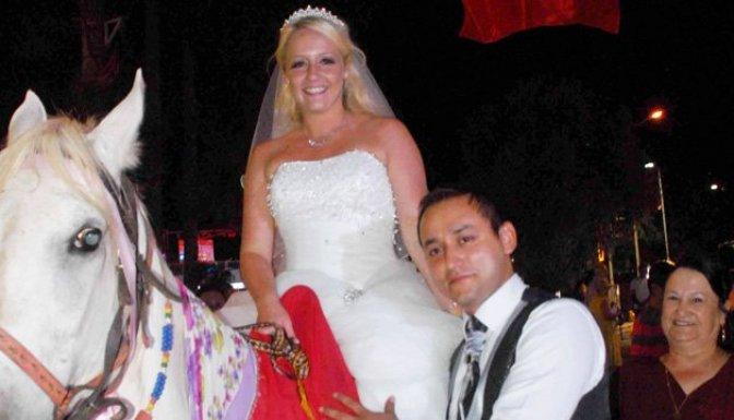 İngiliz geline Türk usulü düğün- İZLE