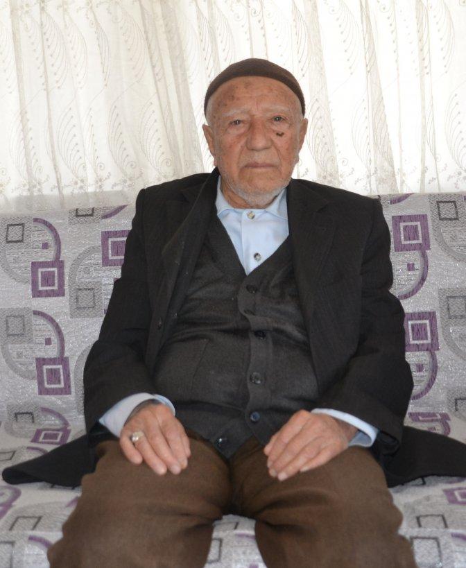Emekli öğretmen 24 Kasım'da 100 yaşına girdi