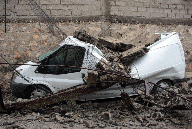 Adana'da Fırtına Ve Yağmur Yıktı Geçti