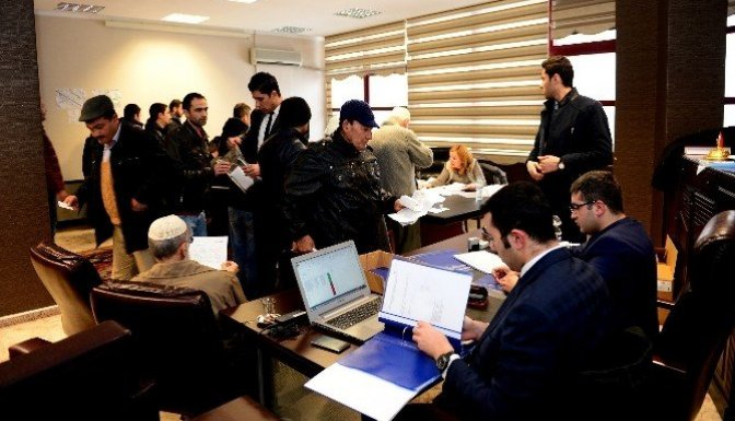 424 konut için ilk gün bin kişi başvurdu