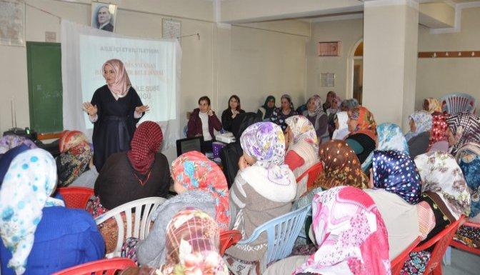 Kadın çiftçilere aile içi iletişim semineri