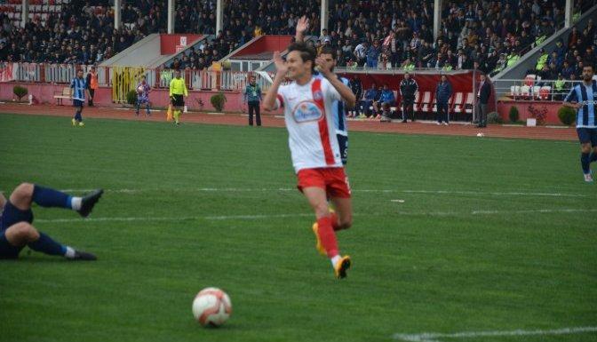 Kahramanmaraş Büyükşehir Belediyespor 0-0 berabere...