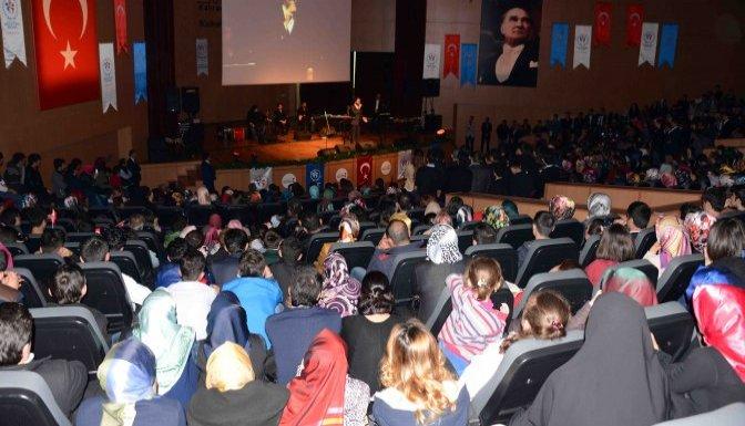 ''Çanakkale Bir Hilal Uğruna''gecesi proğramı düzenlendi
