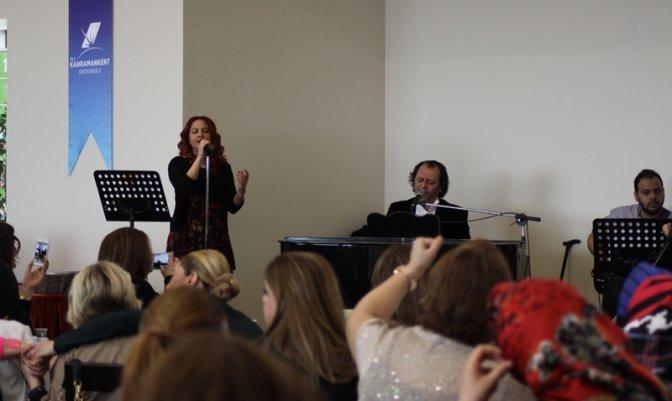 Sanatçı Yücel Arzen Konseri ve Söyleşi