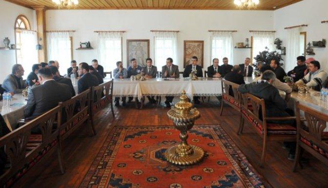 Suriyeli kanaat önderleri Katiphan'da bir araya geldi
