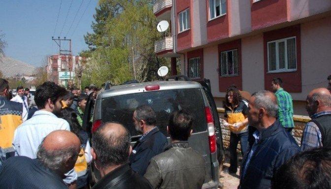 Elbistan'da kurşunlanan araçtaki yaralılardan biri öldü
