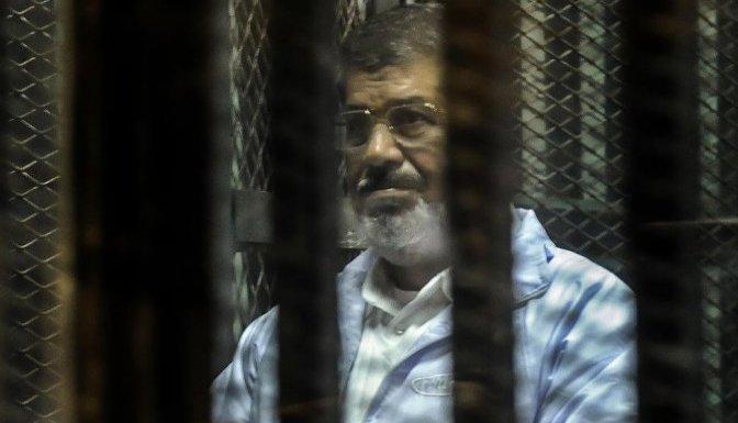 Devrik lider Mursi'ye 20 yıl hapis cezası!