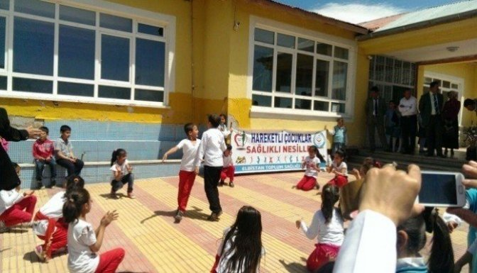 Hareketli çocuklar sağlıklı nesiller programı devam ediyor