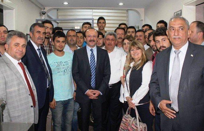 Türk Kızılayı'ndan Sevgi Butiği ve Aşevi