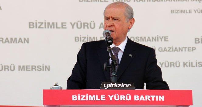 """Bahçeli: """"AKP'yle umut yoktur, AKP'yle huzur yoktur"""" !"""