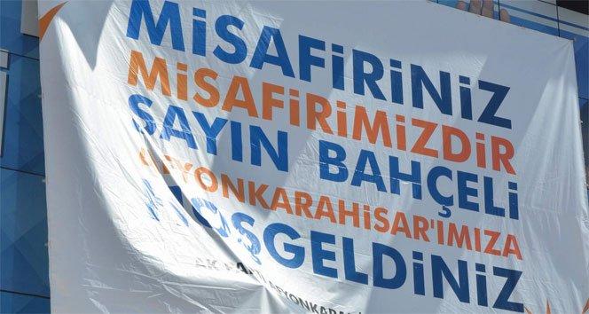 AK Parti'den Devlet Bahçeli'ye pankart jesti!