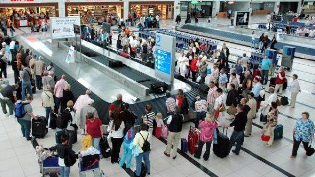 Yılın ilk 4 ayında gelen turist azaldı!