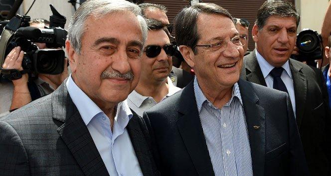 Kıbrıs'ta liderler çözüm için birarada!