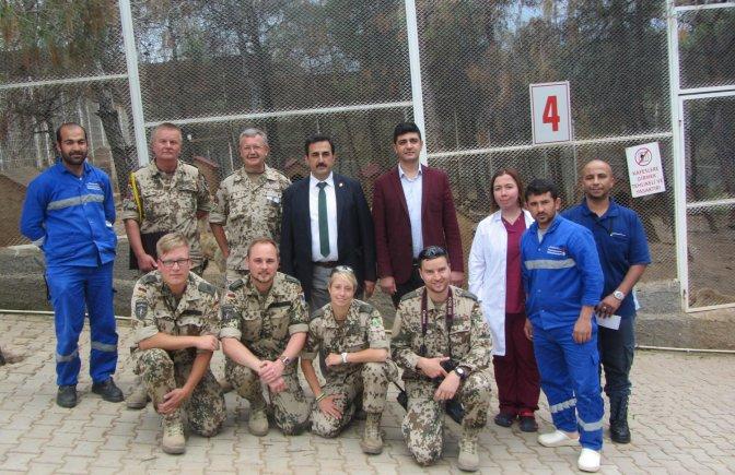 NATO Birliği Sokak Hayvanlarını Ziyaret Etti
