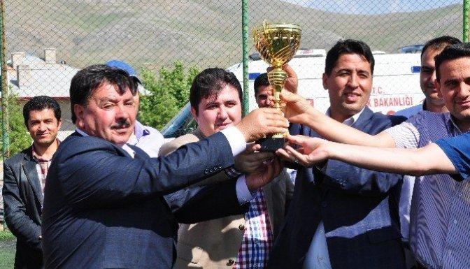 Ekinözü Belediyespor, Namağlup Şampiyon Oldu
