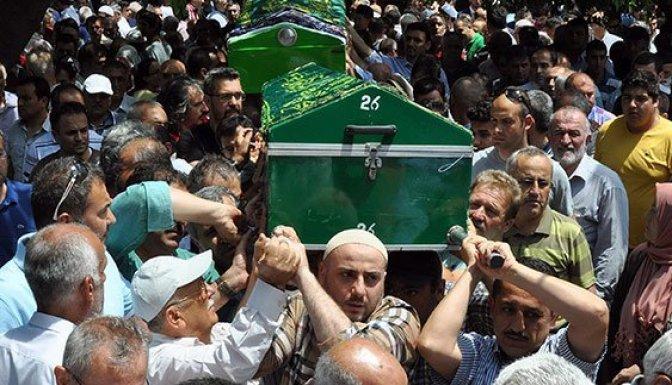Tutuklu polisin babası üzüntüden vefat etti!