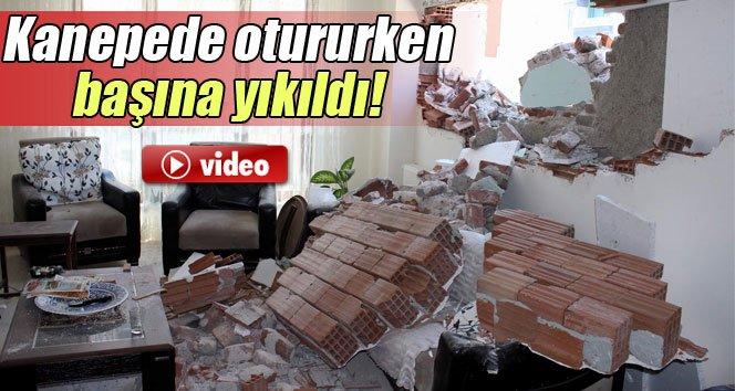 Kanepede otururken bina başına yıkıldı!