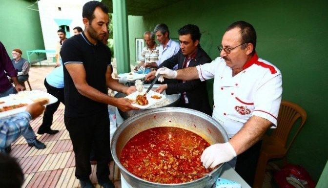Afşin Belediyesi Altaş Mahallesinde İftar Çadırı kurdu