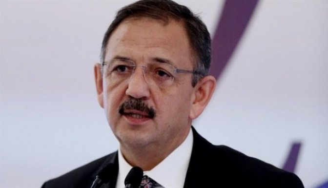 AK Parti'yi AKP'lilerden kurtarmamız lazım..