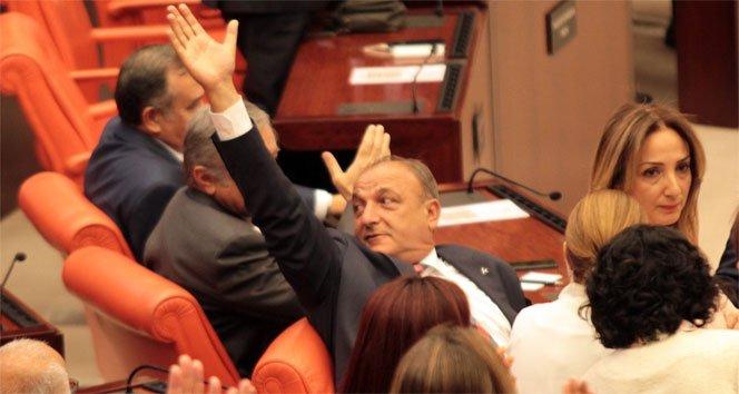 Oktay Vural: Olağanüstü çağrı yapan HDP'ydi!