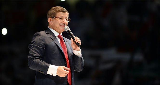 Davutoğlu yeniden genel başkan!