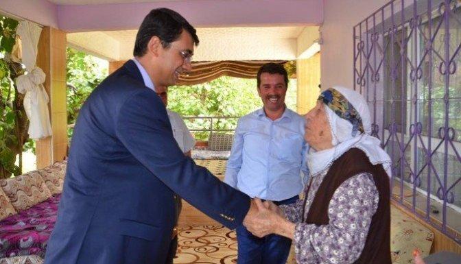 Türkoğlu'nda Gazi ve Şehit ailelerini ziyaret