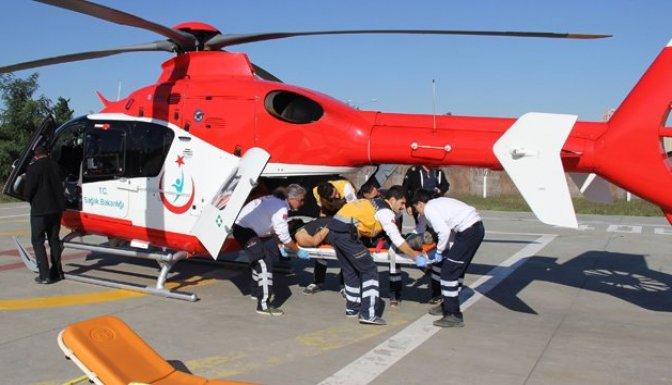Ormanda yılanın soktuğu gencin yardımına ambulans helikopter yetişti!