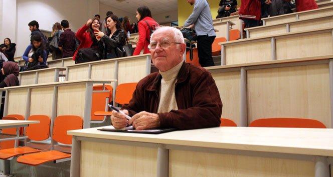 78 yaşında Hukuk Fakültesi öğrencisi oldu!